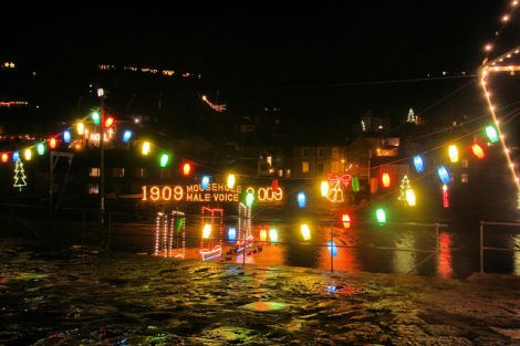 Die Mousehole Christmas Lights.    © Copyright Bob Jones and   licensed for reuse under this Creative Commons Licence.