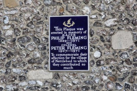 Eine Erinnerungsplakette an zwei Mitglieder der Fleming-Familie.   © Copyright Bill Nicholls