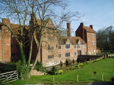 Harvington Hall.   © Copyright Martyn B and licensed for reuse under this Creative Commons Licence.