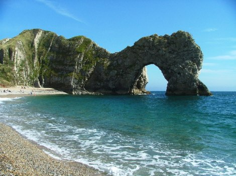 Durdle Door.   © Copyright Gwyn Jones and licensed for reuse under this Creative Commons Licence.