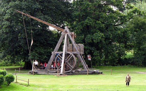 The Warwick Trebuchet.    © Copyright Martin Addison and   licensed for reuse under this Creative Commons Licence.