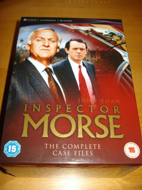 Inspector Morse und Sergeant Lewis. Alle Folgen der Serie sind noch auf DVD erhältlich. Foto meiner DVD-Box.