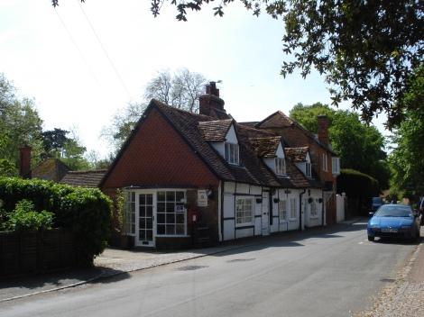 """Das Post Office von Hurley diente als Dorfladen in """"Midsomer Life"""". Eigenes Foto."""
