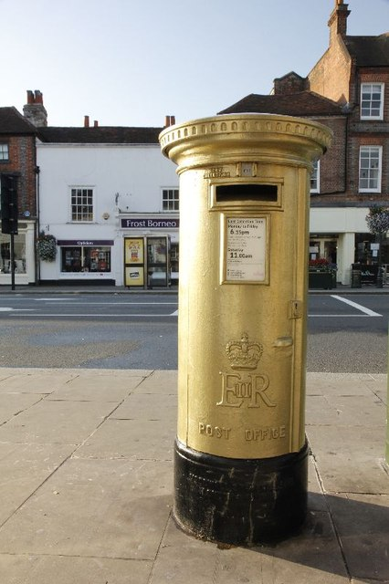 "Eine ""gold postbox"" in Henley-on-Thames.   © Copyright Bill Nicholls"