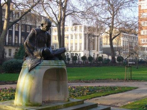 Das Denkmal für Mahatma Gandhi.  © Copyright Colin Smith