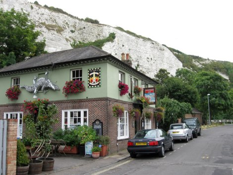 Der Snowdrop Inn in Lewes.   © Copyright Simon Carey