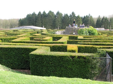 Leeds Castle Maze.    © Copyright Nick Smith