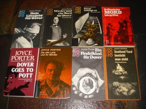 Meine Sammlung von Joyce Porter-Krimis. Eigenes Foto.