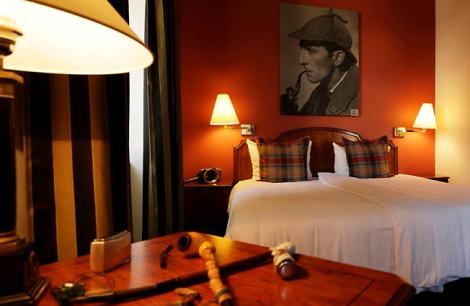 Das Sherlock Holmes Zimmer. Mit freundlicher Genehmigung des Krimi Hotels.