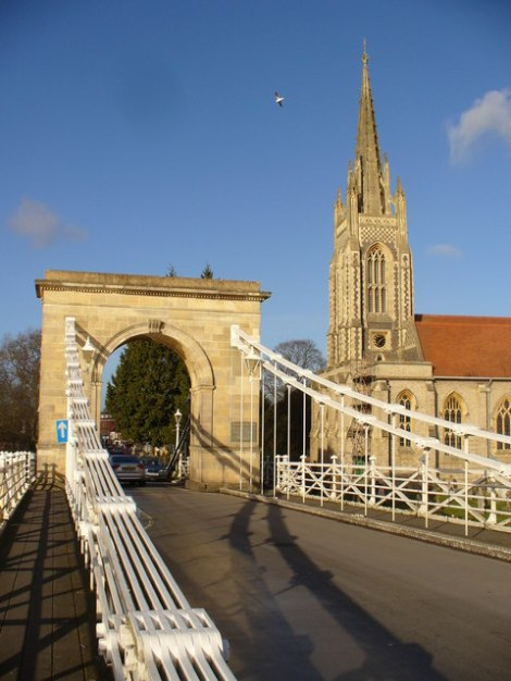 Die Marlow Suspension Bridge und die All Saints Church.    © Copyright Colin Smith