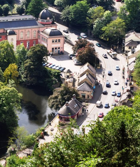 ...und vn den Heights of Abraham auf Matlock Bath,    © Copyright Brian Chadwick
