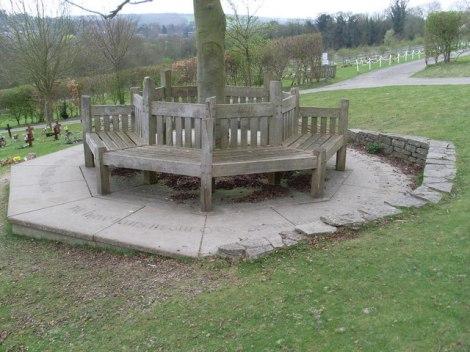 "Roald Dahls ""Memorial Seat"".    © Copyright David Hillas"