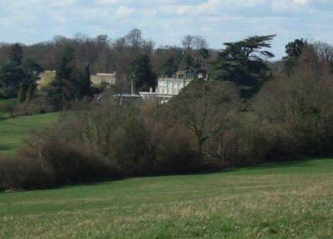 Das Manor House in seinen ausgedehnten Parkanlagen.   © Copyright Martyn Davies