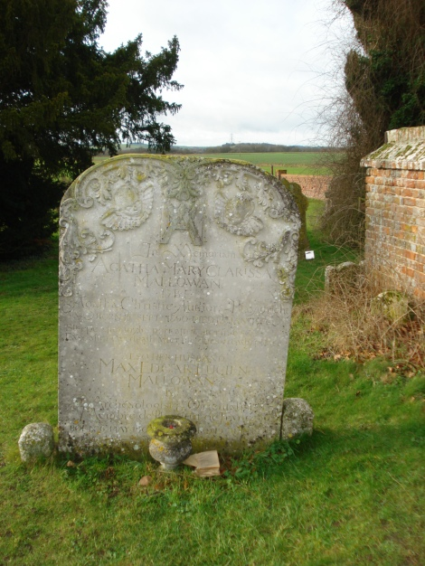 Hier auf dem Friedhof von Cholsey ruht sie, die beste Krimiautorin aller Zeiten: Agatha Christie. Eigenes Foto.