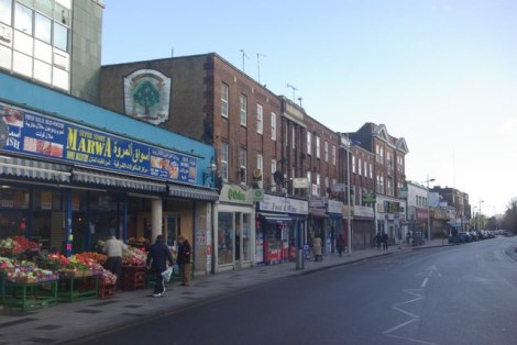 Die High Street in Slough.    © Copyright Stephen McKay and   licensed for reuse under this Creative Commons Licence.
