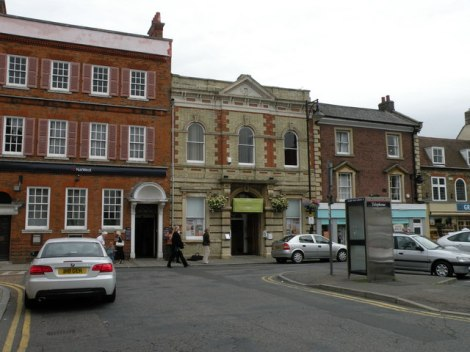 The Corn Exchange in St Ives (Cambridgeshire). Hier wird das Langley Bread ausgegeben.    © Copyright Keith Edkins and   licensed for reuse under this Creative Commons Licence.