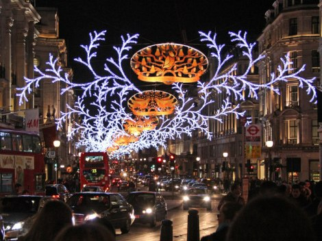 Die weihnachtliche Regent Street.    © Copyright Oast House Archive and   licensed for reuse under this Creative Commons Licence.