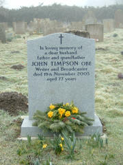 John Timpsons Grabstein auf dem Friedhof von Weasenham St Peter in Norfolk. Photo: Literary Norfolk.