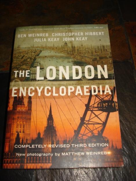 Foto meiner London-Enzyklopädie.