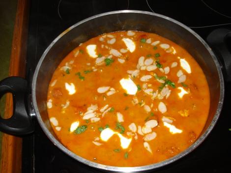 Unser selbst hergestelltes Chicken tikka masala. Eigenes Foto.