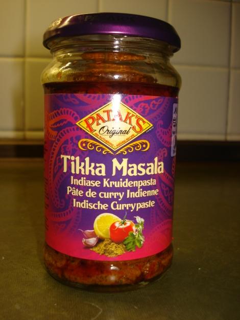 Die benötigte Currypaste ist z.B. in Asialäden erhältlch. Eigenes Foto.