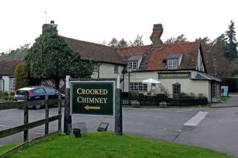Der Crooked Chimney in Lemsford.    © Copyright Ian Capper and   licensed for reuse under this Creative Commons Licence.