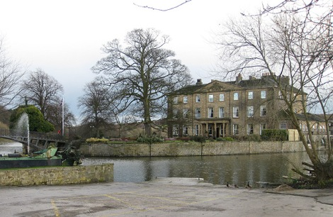 Walton Hall.    © Copyright Pauline Eccles and   licensed for reuse under this Creative Commons Licence.