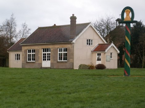 Die Burston Strike School.    © Copyright Richard Rice and   licensed for reuse under this Creative Commons Licence.