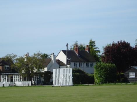 Littlewick Green und sein Dorfanger. Alles ist bereit für das nächste Cricketmatch. Eigenes Foto.