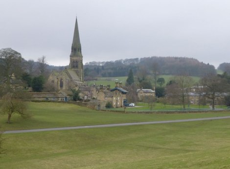 Edensor in Derbyshire mit St Peter's.     © Copyright Russel Wills and   licensed for reuse under this Creative Commons Licence.