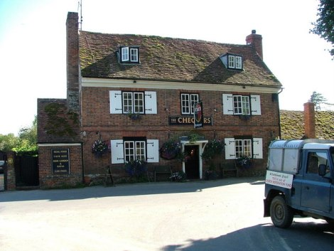 The Chequers Pub.    © Copyright Peter Jemmett and   licensed for reuse under this Creative Commons Licence.