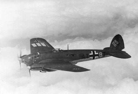 Eine Heinkel 111H. Attribution: Bundesarchiv. This file is licensed under the Creative Commons Attribution-Share Alike 3.0 Germany license.