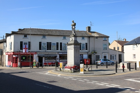 Der Red Lion Square in Soham.    © Copyright Rob Noble and   licensed for reuse under this Creative Commons Licence.