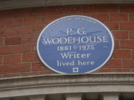 Hier in der Londoner Dunraven Street 17, in Westminster, lebte P.G. Wodehouse viele Jahre. Photo: Gwynhafyr in Open Plaques. Creative Commons 2.0
