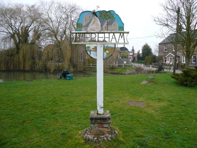 Das Village Sign von Wereham, auf dem Billy verewigt ist.   © Copyright Craig Tuck and   licensed for reuse under this Creative Commons Licence.