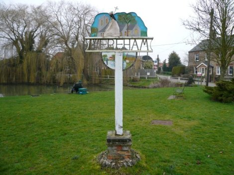 Das Village Sign von Wereham, auf dem Billy verewigt ist.    © Copyright Craig Tuck and   licensed for reuse under this Creative Commons Licence.