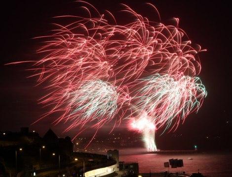 Der Sturm im Jahr 2012 verursachte sehr eigenwillige Feuerwerksgebilde,  © Copyright Christine Matthews and licensed for reuse under this Creative Commons Licence.