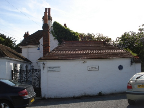 Die Redroofs Theatre School in Littlewick Green. Eigenes Foto.