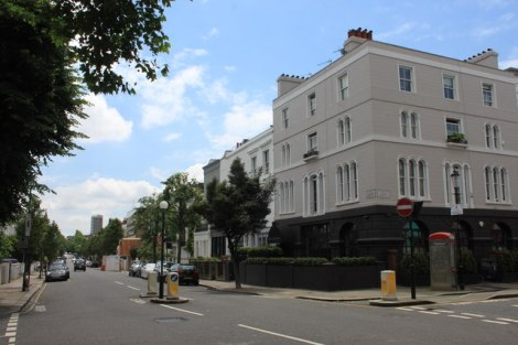 """The Ledbury"" im Londoner Stadtteil Notting Hill.    © Copyright Roger Davies and   licensed for reuse under this Creative Commons Licence."