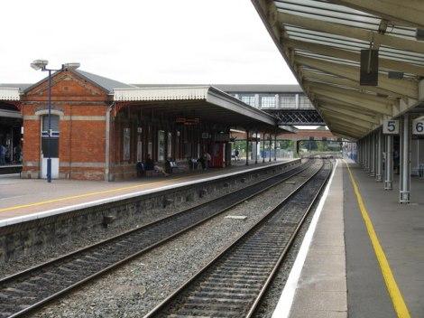 Die Bahnsteige 4 und 5 im Bahnhof von Slough, das frühere Arbeitsfeld von Station Jim.  © Copyright Peter Whatley and licensed for reuse under this Creative Commons Licence.