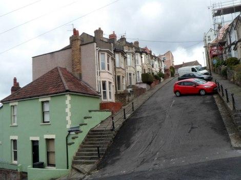 Die Vale Street, von der Park Street aus gesehen.   © Copyright Jaggery and   licensed for reuse under this Creative Commons