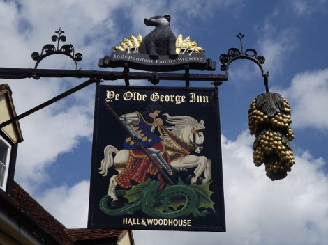 Einer der Hall & Woodhouse-Pubs: Ye Olde George in East Meon (Hampshire).   © Copyright Colin Smith and   licensed for reuse under this Creative Commons Licence.