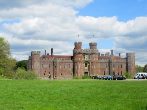 Das Herstmonceux Castle.    © Copyright Chris Heaton and   licensed for reuse under this Creative Commons Licence.