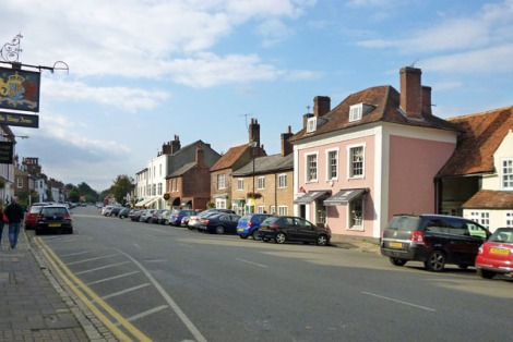 Amersham High Street.    © Copyright Robin Webster and   licensed for reuse under this Creative Commons Licence.