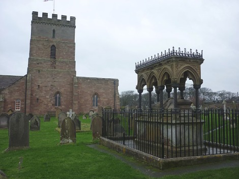 Die St Aidan's Church in Bamburgh un das Grace Darling Memorial.    © Copyright Karl and Ali and   licensed for reuse under this Creative Commons Licence.