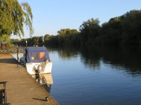 Stimmungsvolle Atmosphäre an der Themse, besonders am frühen Morgen und am Abend. Eigenes Foto.