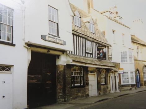 Die St Mary's Street in Stamford. Eigenes Foto.