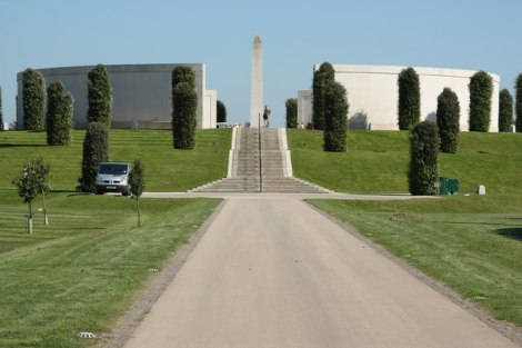 Das Armed Forces Memorial.    © Copyright Richard Croft and   licensed for reuse under this Creative Commons Licence.