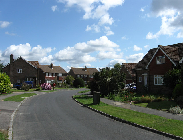 Die Harvard Road in Ringmer.   © Copyright Simon Carey and   licensed for reuse under this Creative Commons Licence.