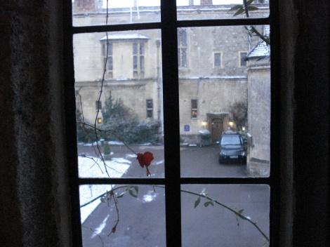Blick aus unserer Plantagenet Suite auf den Hoteleingang.